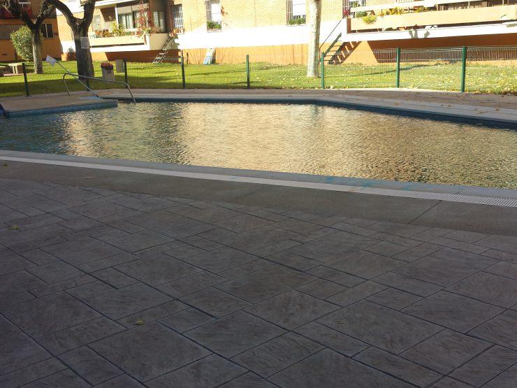Santa Rosa, piso amplio, piscina.